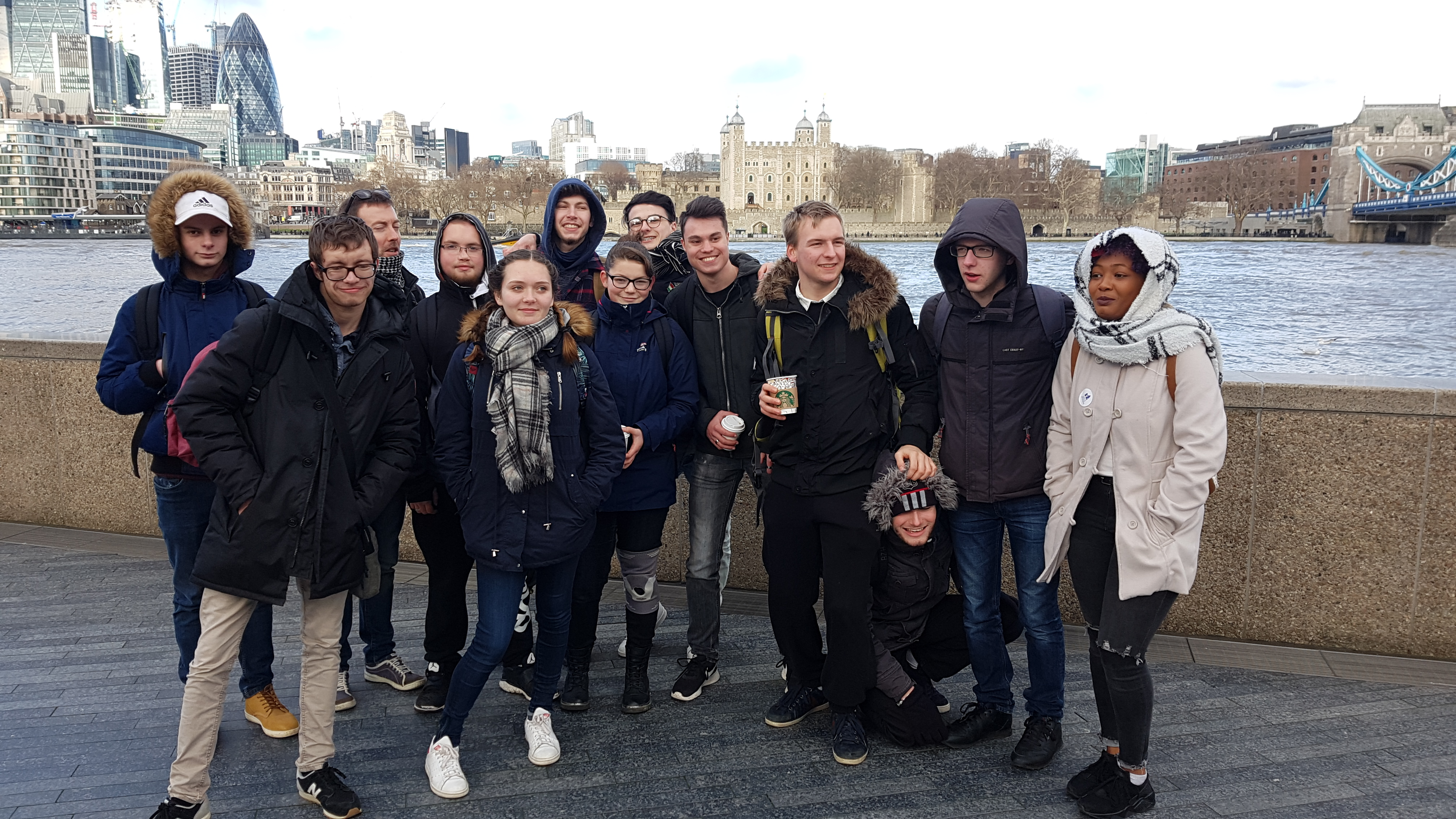 Les Terminales TOPO devant la Tour de Londres